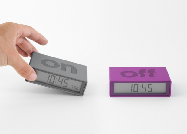 Flip-alarm-clock-for-Lexon_dezeen_ss4